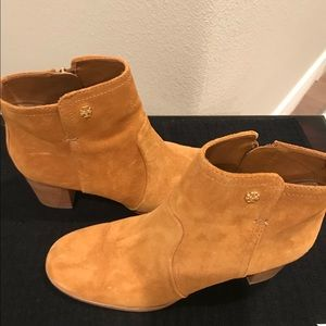 Tan suede Tory Burch Ankle boots sz 9